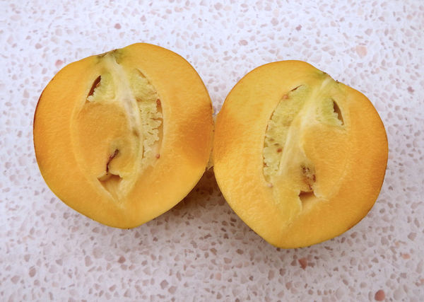pepinos 11: small rock melon tasting fruit called Cameron apple in Malaysia
