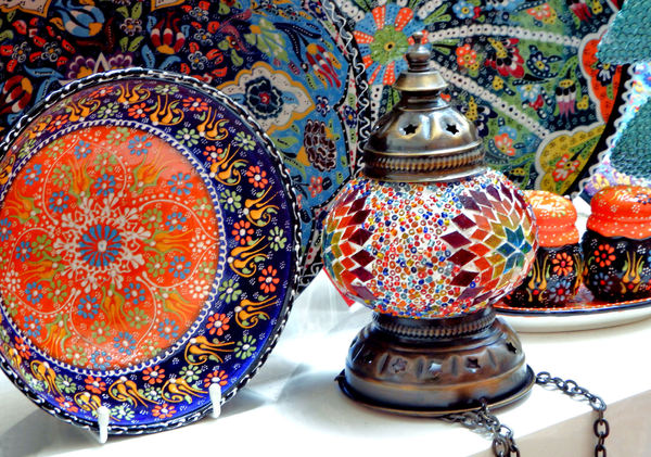 Turkish glazed ceramic samples: colorful Turkish plates, dishes & other ceramic objects with raised glazing