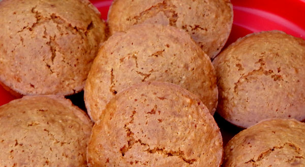 mandarin muffins3: plate of freshly baked mandarin flavoured muffins - cupcakes