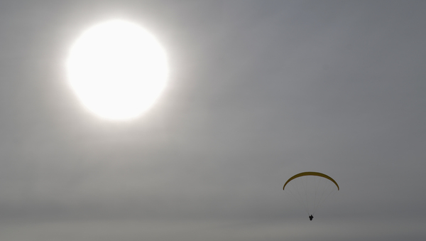 paraglider: no description