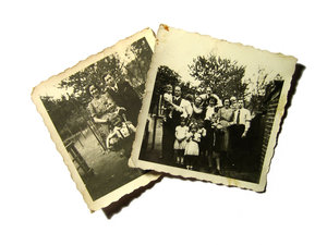 Old Family Photos: Visit http://www.vierdrie.nl