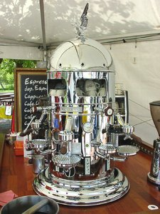 Coffee please !: Not a robot, but a coffee machine discovered on Brenner autobahn near Innsbruck...