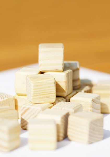 Wooden building blocks: toy building blocks